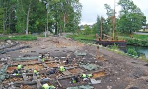 Archaeologists-at-work-in-Motala