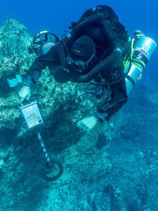 Nikolas Giannoulakis decompressing after metal detecting on the wreck -