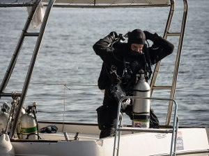 Tex diver Alex Tortas accompanied the archaeologists down to the site. Photo: WHOI