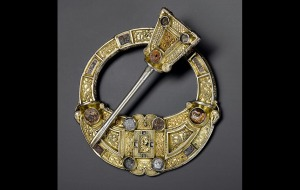 Spectacular brooch, typical of Celt goldsmithing. Image: ww.britishmuseum.org